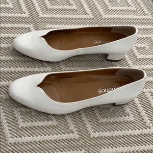 Classic white/cream closed toed block heel